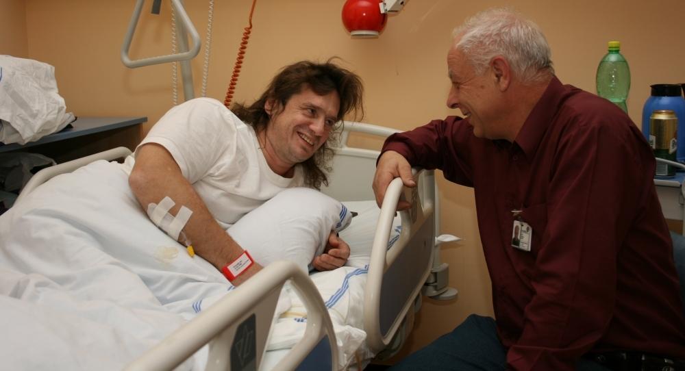 Nemocniční kaplan v prostředí nemocnice